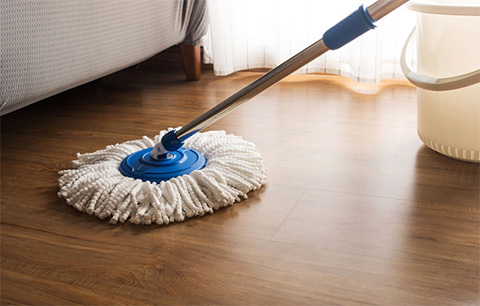 Concentrated hardwood floor cleaner